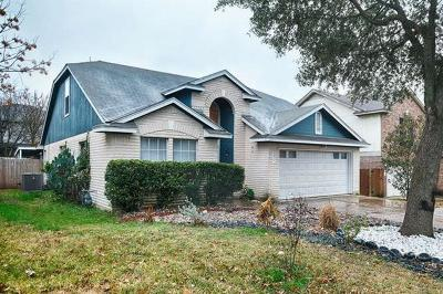 Round Rock Single Family Home For Sale: 2415 Roundabout Ln