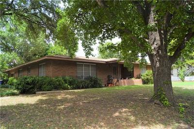 Elgin TX Single Family Home For Sale: $199,000