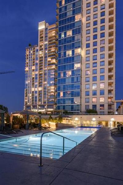 Condo/Townhouse Pending - Taking Backups: 300 Bowie St #605