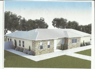 Single Family Home For Sale: 110 Oak Creek Cir