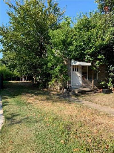 Austin Single Family Home Pending - Taking Backups: 613 E 49th St