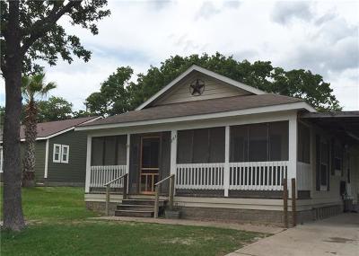 Giddings Single Family Home For Sale: 263 Oakbend Ln