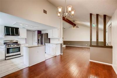 Travis County Single Family Home For Sale: 12801 Knotty Trl