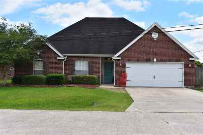 Lumberton Single Family Home Contingent On A Sale: 5305 Wellington