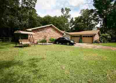 Lumberton Single Family Home For Sale: 180 El Pinto