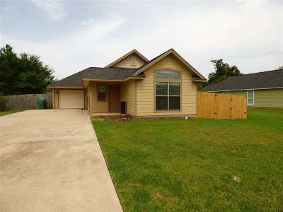 Lumberton Single Family Home For Sale: 826 Village Creek Pkwy