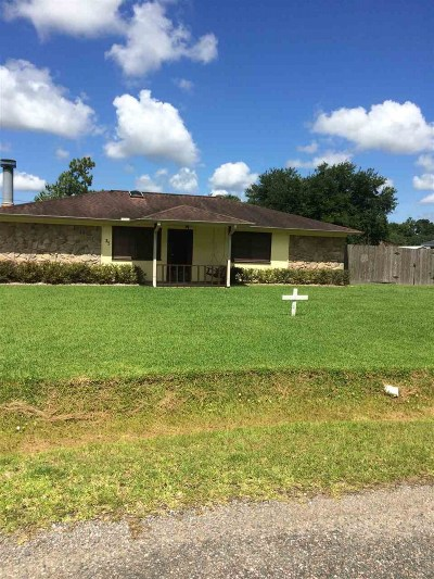 Lumberton Single Family Home For Sale: 35 Candlelight Ln