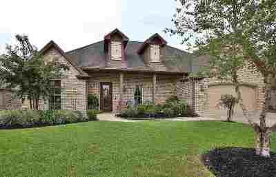 Lumberton Single Family Home For Sale: 210 Winding Brook Drive