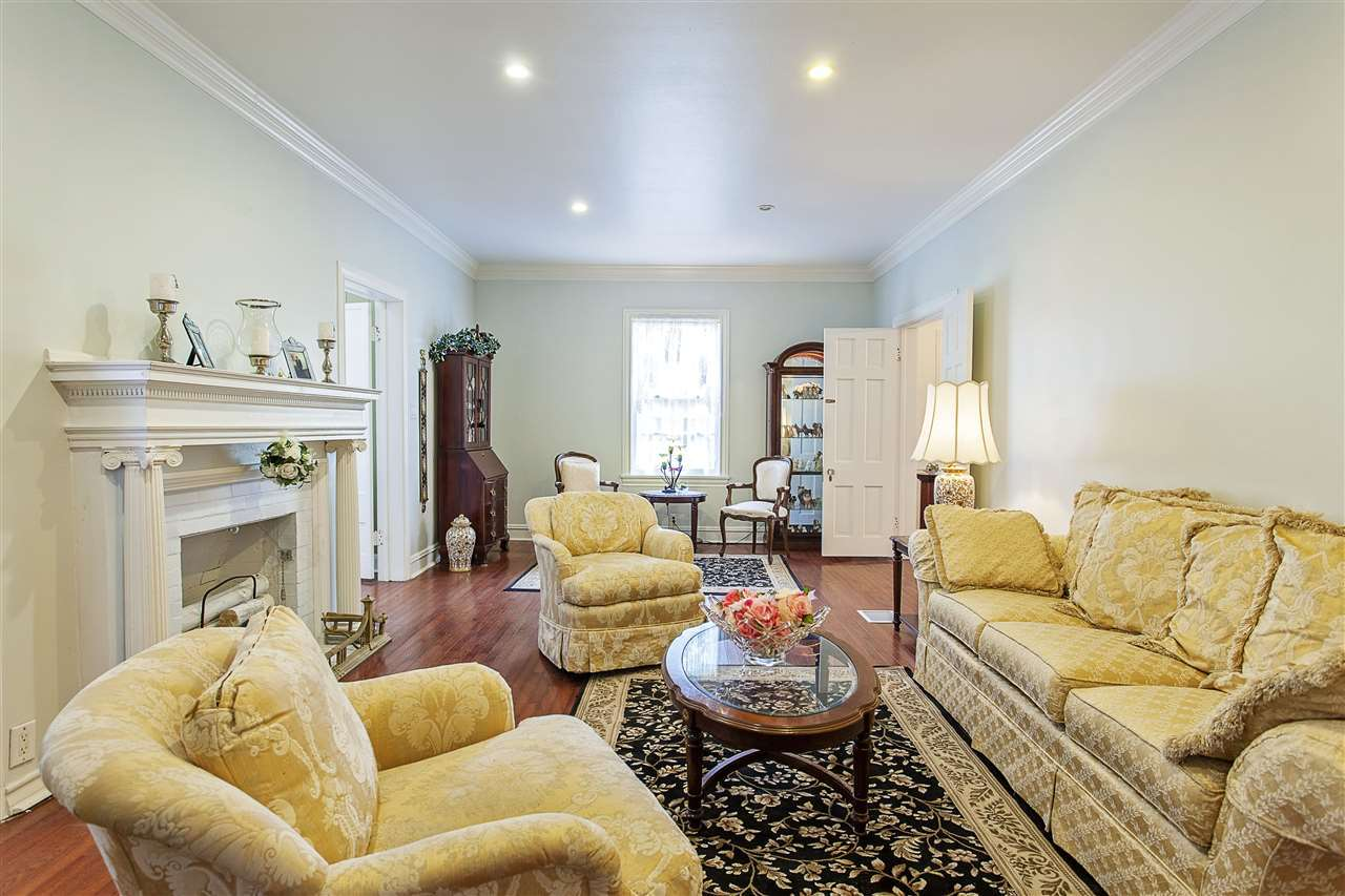 Listing: 2380 Long Street, Beaumont, TX.| MLS# 191584 | James McCrate | RE/ MAX One | 409 866 2020 | Beaumont Texas Homes For Sale