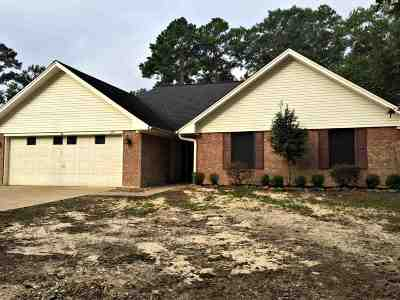 Lumberton Single Family Home For Sale: 127 Timbercreek Ln