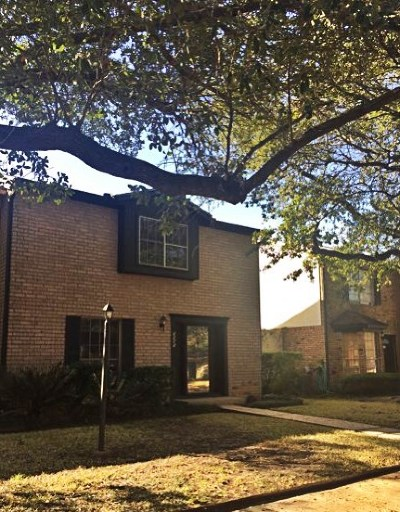 Beaumont Condo/Townhouse For Sale: 5985 Townhouse Lane