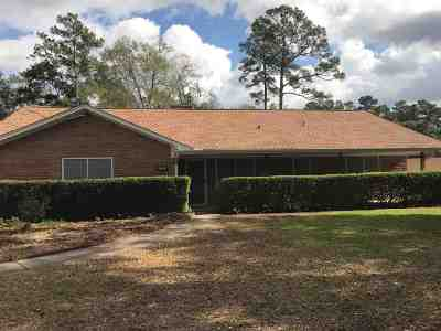 Lumberton Single Family Home For Sale: 144 Rolling Hills Dr