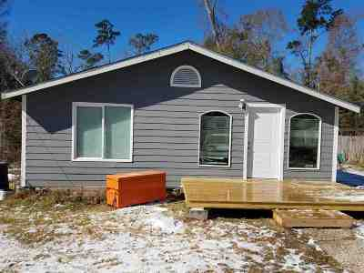 Lumberton Single Family Home Contingent On Closing: 8078 Hickory Hollow