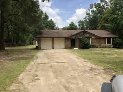 Lumberton Single Family Home For Sale: 260 Morris Dr