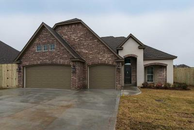 Lumberton Single Family Home For Sale: 203 Spring Brook Court