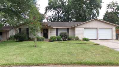 Beaumont Single Family Home For Sale: 6375 Carnation