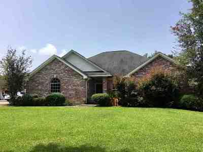 Lumberton Single Family Home For Sale: 43 Mark Loop
