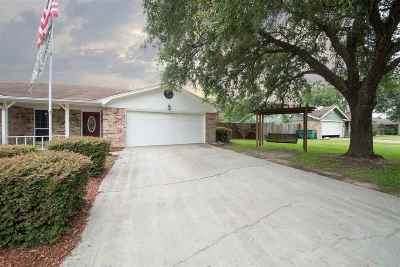Lumberton Single Family Home For Sale: 105 Candlelight Lane