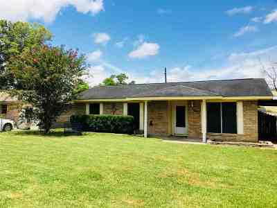 Vidor Single Family Home Contingent On Closing: 360 Beach