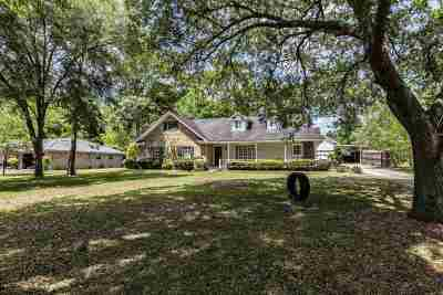 Lumberton Single Family Home For Sale: 115 Magnolia Trail