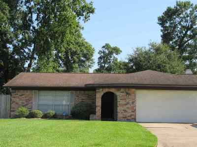 Beaumont Single Family Home For Sale: 137 Berkshire Ln