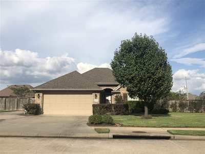 Single Family Home Pending W/Option: 6520 Woodridge Dr
