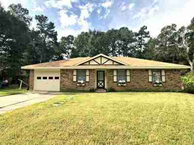 Lumberton Single Family Home For Sale: 7802 Walnut Dr.