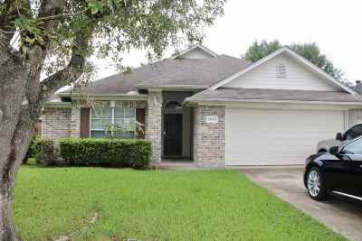 Beaumont Single Family Home For Sale: 5645 Emily Ln