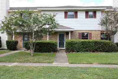 Lumberton Condo/Townhouse For Sale: 8 Dana