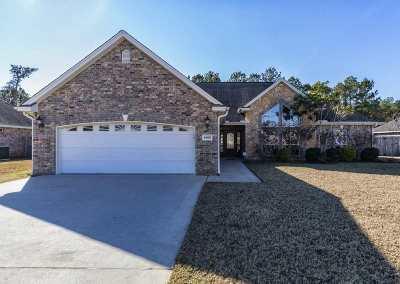 Lumberton Single Family Home For Sale: 6465 Woodridge Dr.