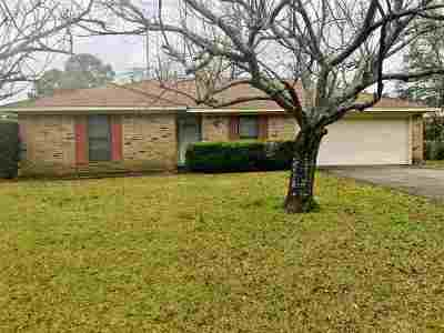 Beaumont TX Single Family Home For Sale: $115,000