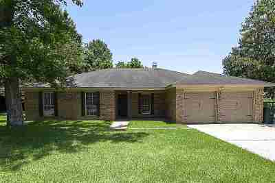 Beaumont TX Single Family Home For Sale: $189,900