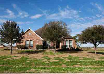 Beaumont TX Single Family Home For Sale: $297,900