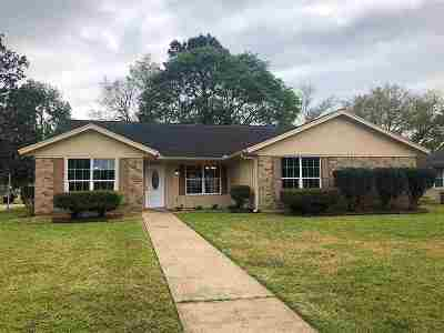 Beaumont TX Single Family Home For Sale: $235,000