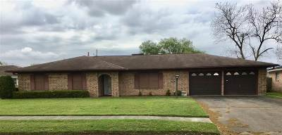 Port Neches Single Family Home Contingent On Closing: 2709 Marilyn