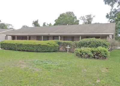 Beaumont TX Single Family Home For Sale: $149,000