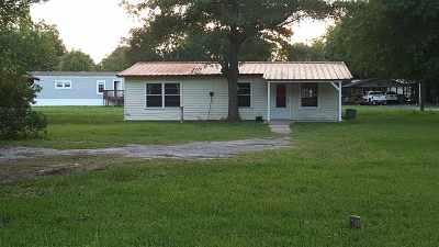 Lumberton Single Family Home For Sale: 210 Rustic Lane
