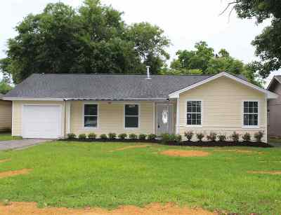 Beaumont TX Single Family Home For Sale: $129,000