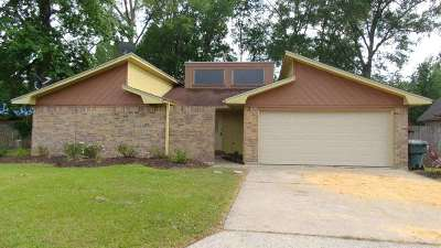 Beaumont TX Single Family Home For Sale: $124,900