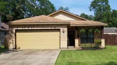 Port Neches Single Family Home Contingent Upon Other: 1133 West Dr