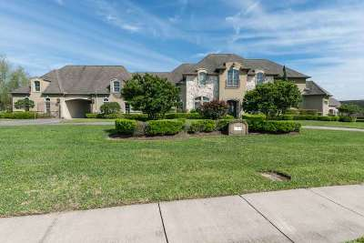 Beaumont Single Family Home Pending Take Backups: 2 Estates Of Montclaire