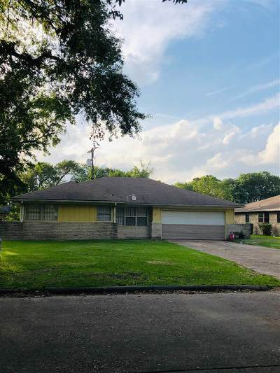 Port Arthur Single Family Home For Sale: 5151 Lakeside Dr
