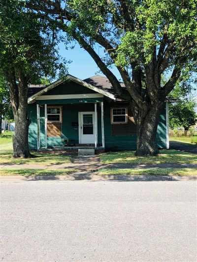 Port Arthur Single Family Home For Sale: 1610 Dequeen Blvd