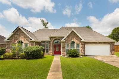 Lumberton Single Family Home Contingent On A Sale: 212 Hannah