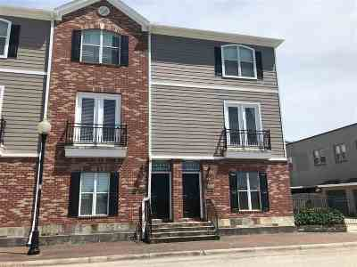 Beaumont Condo/Townhouse For Sale: 640 Forsythe