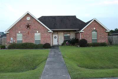 Lumberton Single Family Home Contingent On Closing: 5990 Westchase Loop
