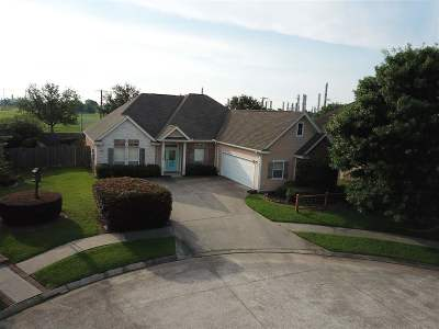 Port Neches Single Family Home Contingent Upon Other: 1709 Green Oaks Dr