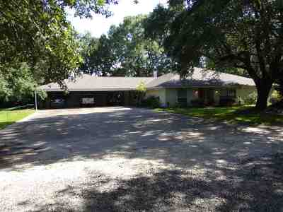Beaumont TX Single Family Home For Sale: $257,000