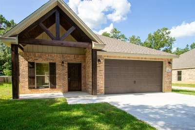 Lumberton Single Family Home For Sale: 13 Clover