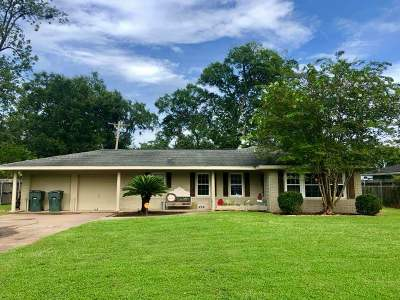 Beaumont TX Single Family Home For Sale: $169,900
